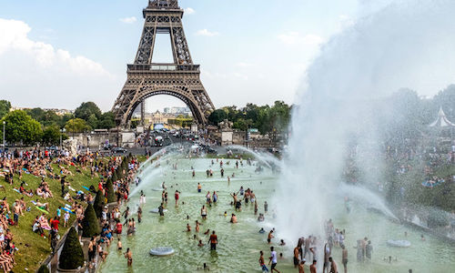 Parisians flocked to the Fountaine du Trocader during a record heat wave in July 2019.